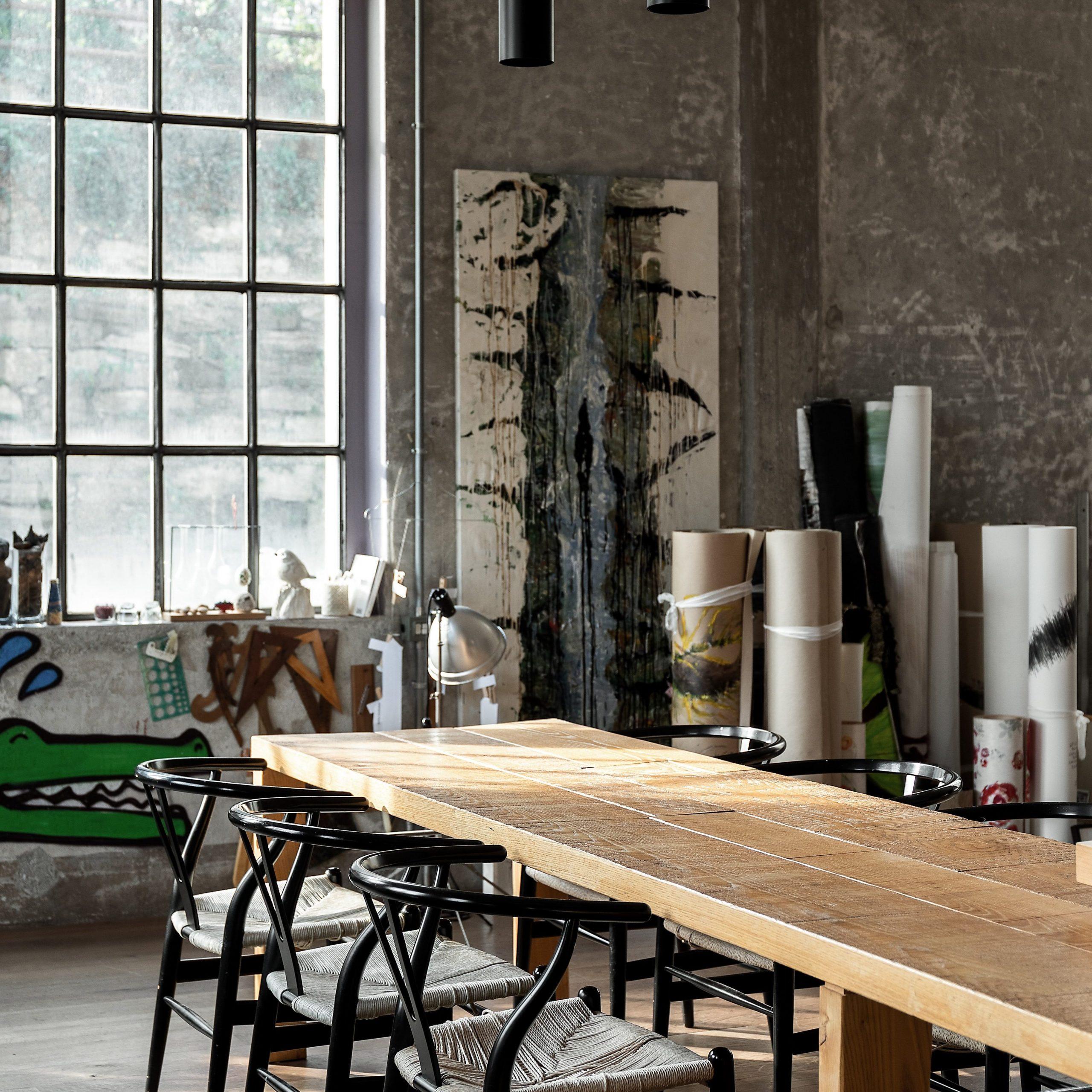 Living decorat in stil industrial - urban